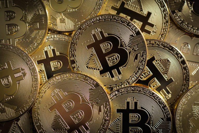 Is it Right Time to Buy Bitcoin & Gold - Massive Crash in Oil Markets | cryptoalias.io